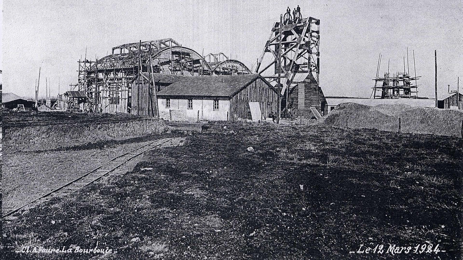histoire-mine de Messeix -chevalement du puits Saint-Louis-