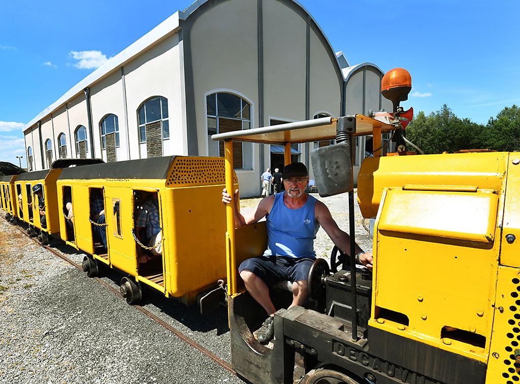 musée de la mine de Messeix - train des mineurs