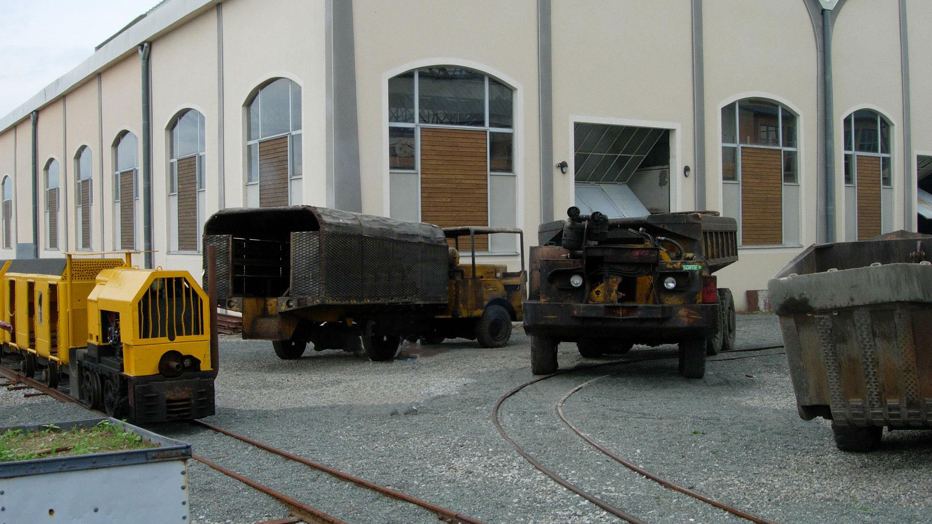 véhicules de la mine
